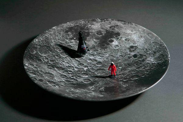 Space bowls by Sebastian Errazuriz