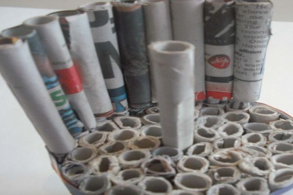 MEET-RO Chair made up of rolled newspaper_5