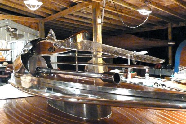 The Royale bar by Phillip Lee Stapleton_3