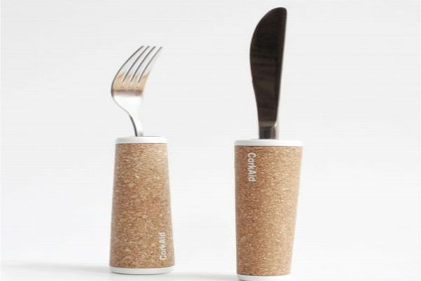 CorkAid eating and drinking aids from recycled cork_3