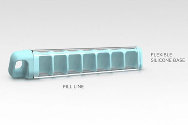 Quirky's Cube Tube for Spill-Free Icemaking_1