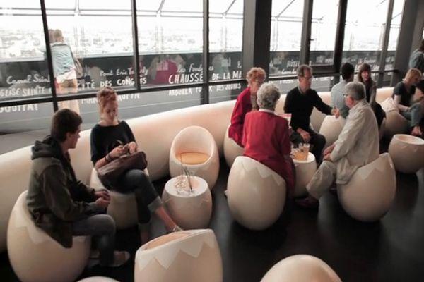 Egg Chairs at Le Nid bar