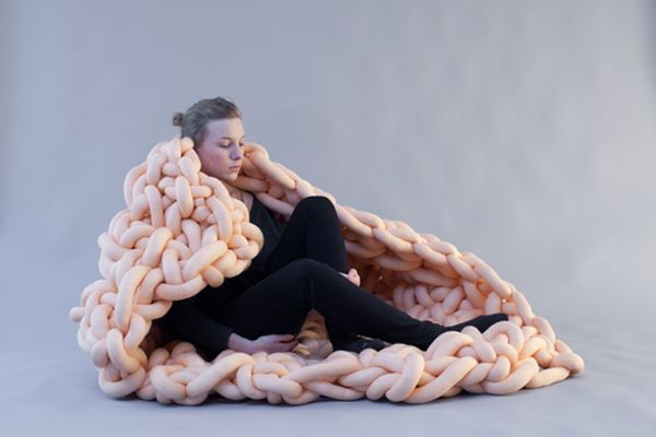 Body Container aesthetically inspired by female womb!