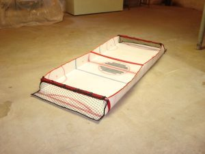 Gliding Hockey - A portable table size hockey game_2