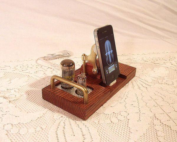 Steampunk Woodguy32's Oak iPhone dock