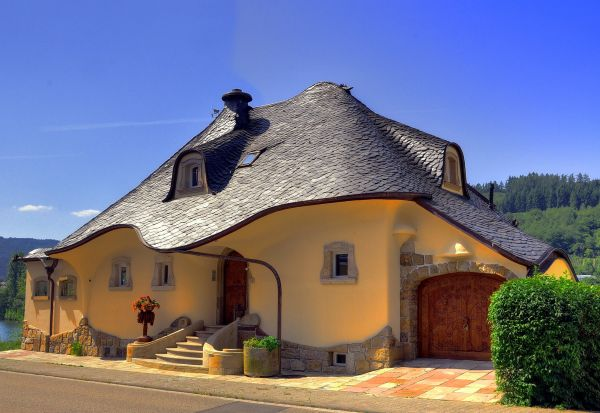 Beautiful house in germany zell mosel city for Stunning houses pictures
