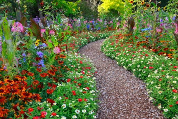 10 garden path ideas for your improved landscaping Types of pathways in landscaping