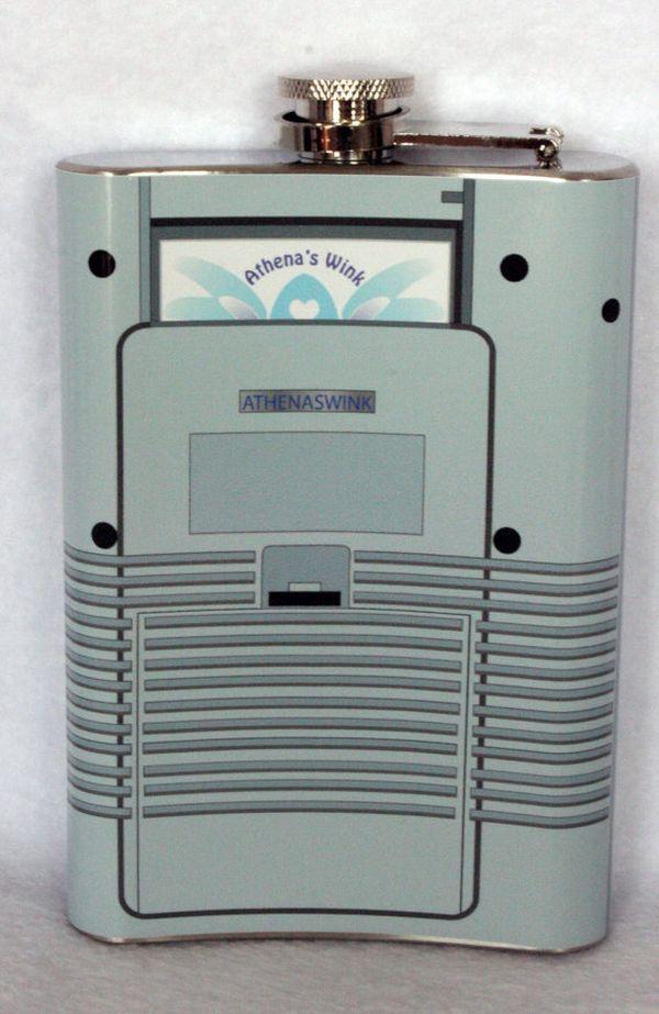 Nerdtendo Gamebooze flask mimics the exalted Nintendo Game Boy_4