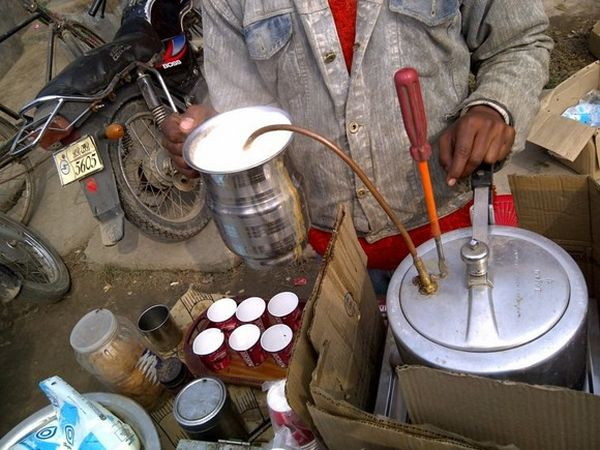 Pressure Cooker into an Espresso Coffee Machine by Mohammed Rozadeen_4