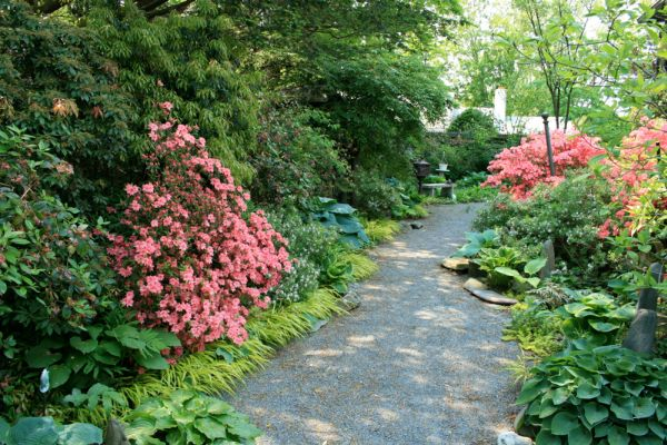 10 garden path ideas for your improved landscaping on Side Yard Path Ideas id=72810