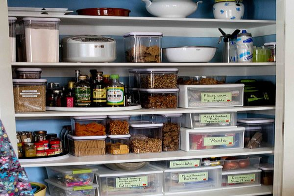 Arranging the food items