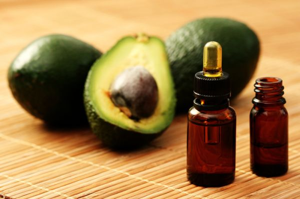 Fresh-cut avocados can be stored in a fridge by applying oil