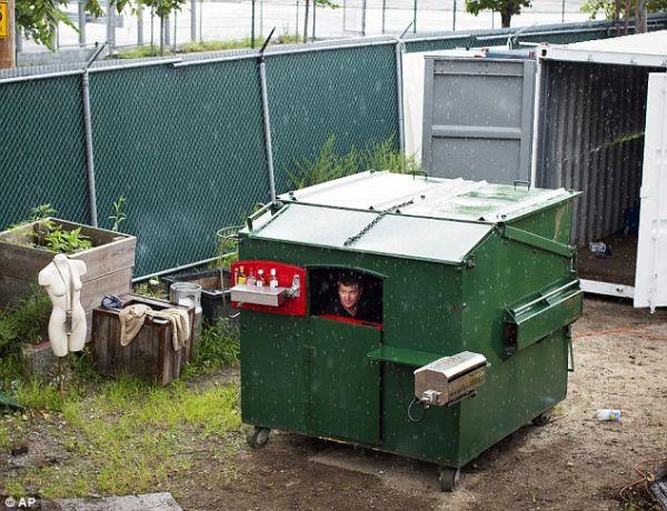 dumpster home by Gregory Kloehn_8