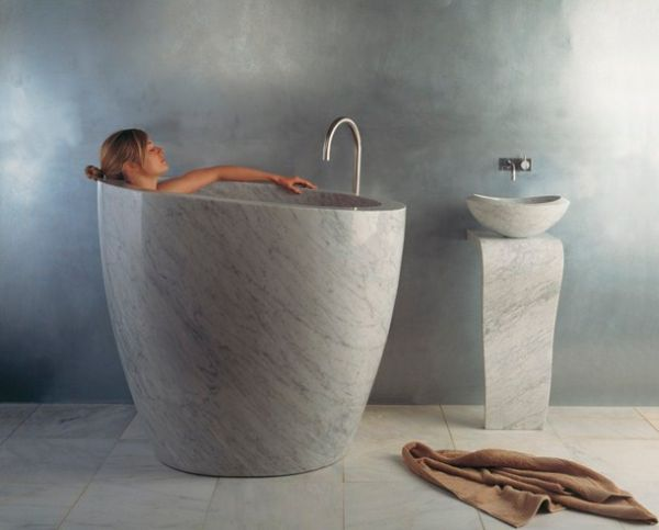 Artistic bathtub made from composite materials_3