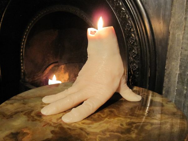 Hand - shaped bleeding candle_1