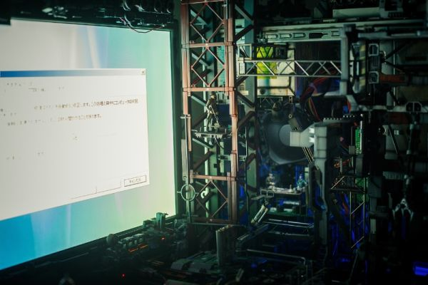 diorama setup by Hiroto Ikeuchi assembling PC case mods together_4