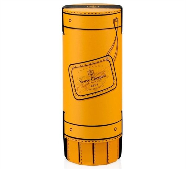 Fashionably Clicquot paper doubles up as a wine bucket_2