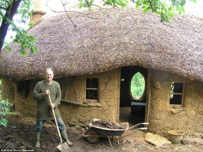 Michael Buck creates cob house for 250_13