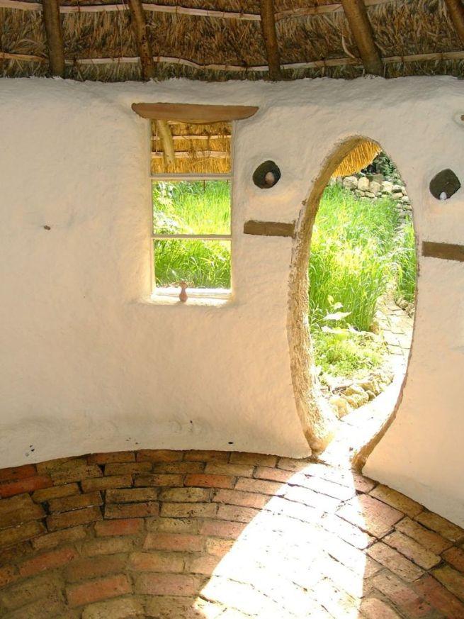 Michael Buck creates cob house for $250_8