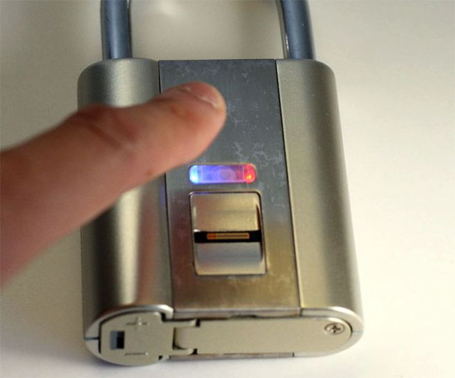 iFingerLock - Fingerprint Padlock_1