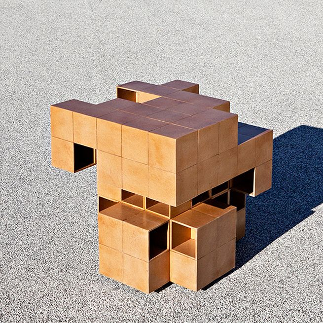Puzzle table by Alberto Dias Ribeiro