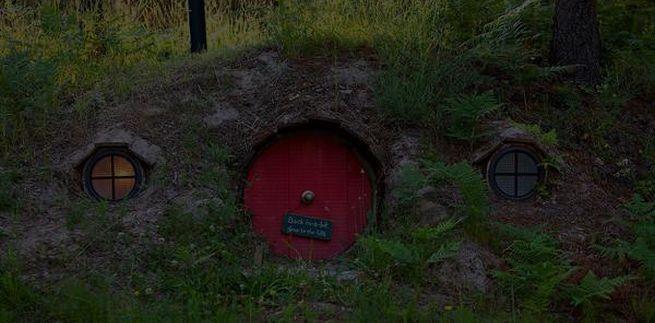 Adorable Hobbit House_8