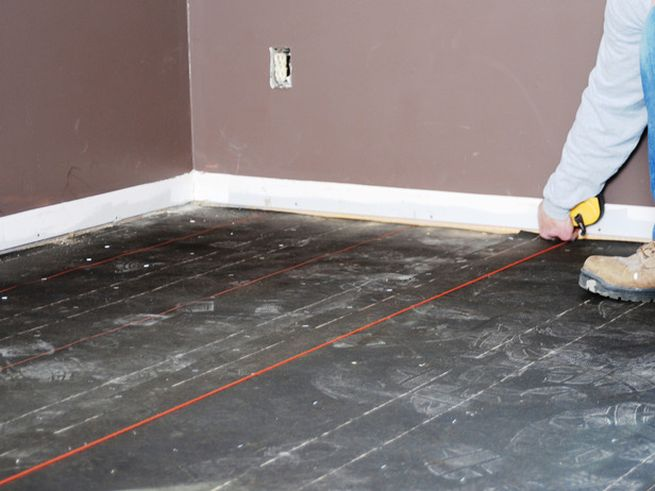 How to install resilient floor tiles_3