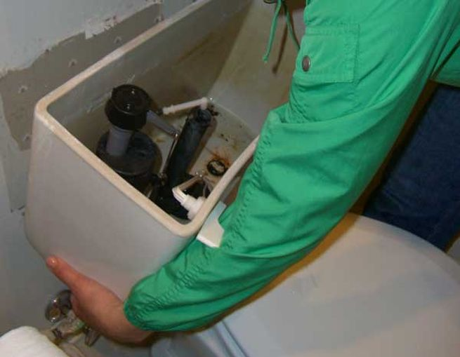 How to remove your old toilet_2