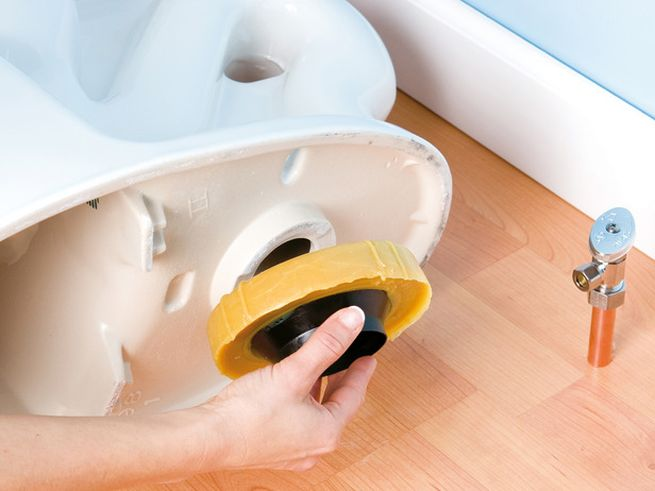 How to remove your old toilet_3