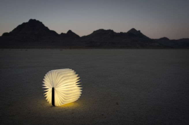Lumio light opens like book_2
