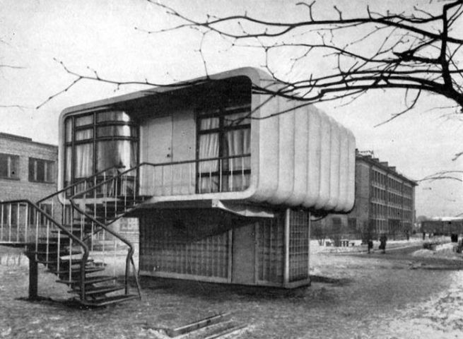 Soviet plastic house_1