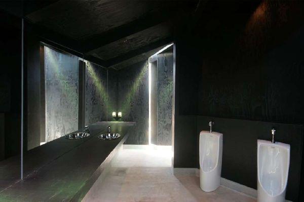 House of Toilet_6