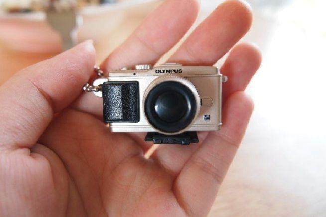 Rolleiflex camera shaped house_2