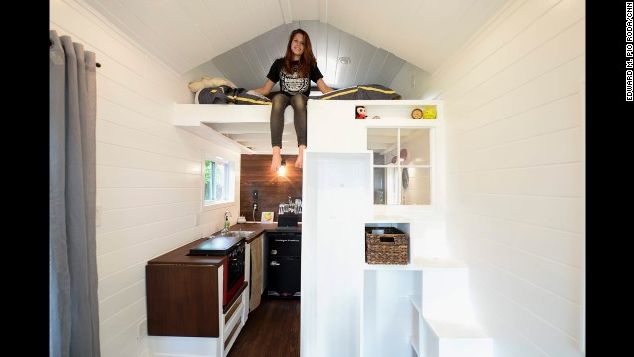 128-square-foot tiny house by Sicily Kolbeck_11