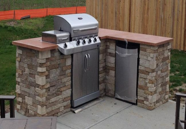 Redditor \'lukeyboy767\' builds a low-cost outdoor kitchen