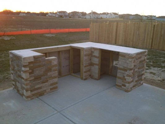Redditor 39 lukeyboy767 39 builds a low cost outdoor kitchen - Airstone exterior adhesive alternative ...