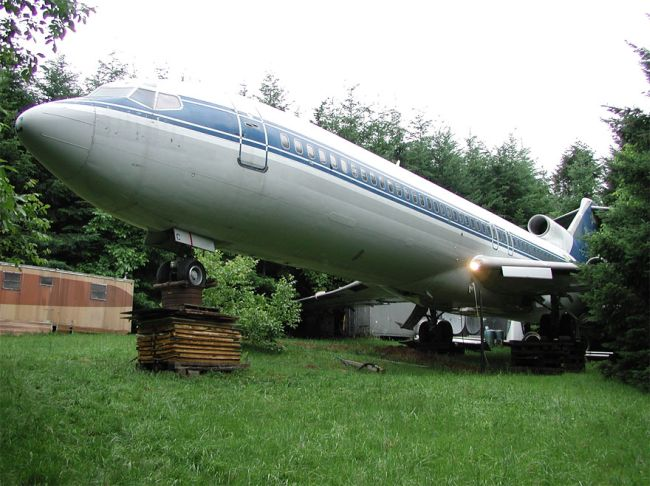 Retired Boeing 727 aircraft recycled to home by Bruce Campbell_1