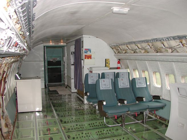 Retired Boeing 727 aircraft recycled to home by Bruce Campbell_12