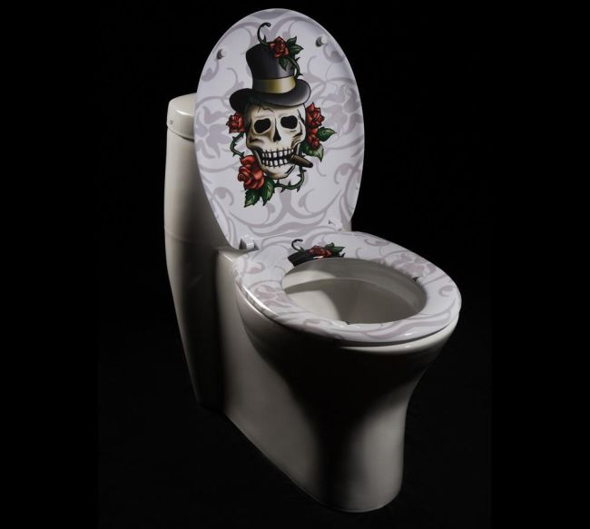 Skull and Roses Toilet Seat Cover