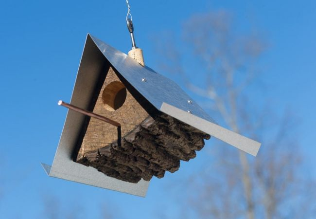 DIY Birdhouses made with wood stumps_1