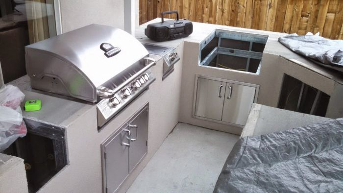 Redditor builds a semi-outdoor kitchen_6