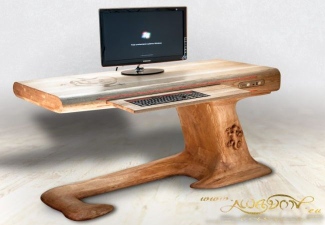 The Diy Lizard Desk Combines Both A Table And A Case Mod