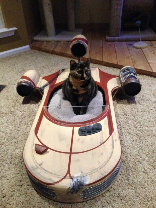 Star Wars landspeeder cat furniture by Roxy's Dream_1