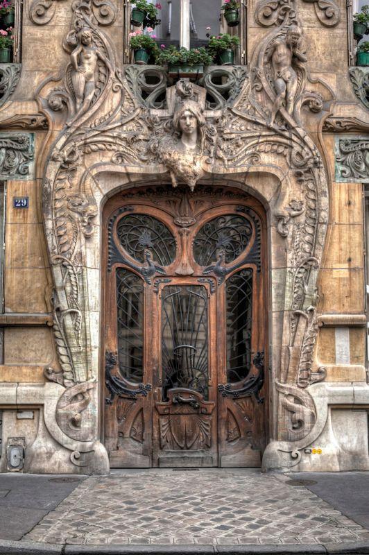 The Parisian door in Paris_6