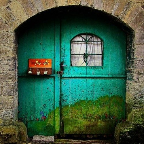 The Turquoise door with a painting from Germany_1