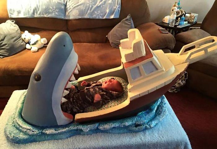 Jaws Baby bed by Joseph Reginella_1
