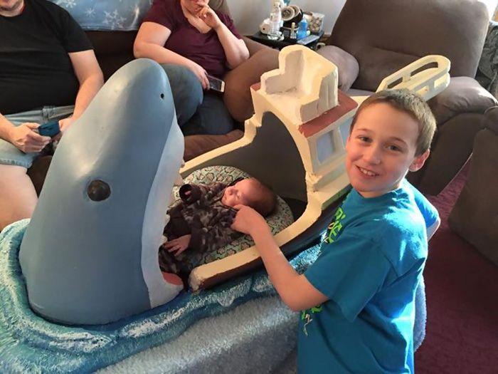 Jaws Baby bed by Joseph Reginella_7