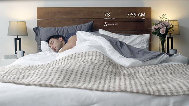 Luna smart bed cover with sensors and temperature control_1