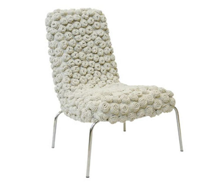 chair in white with knitted rosettes_10