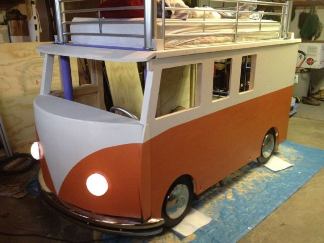 Volkswagen Bus Bed by Redditor 'inexplorata'_6